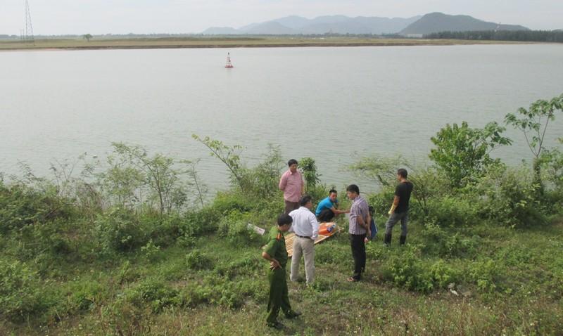 Phát hiện thi thể 2 nữ sinh trường y nổi trên sông Lam - ảnh 1