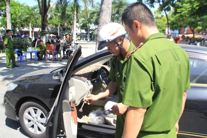 Trộm ô tô táo tợn giữa trung tâm Đà Nẵng - ảnh 1