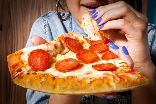 6 thói quen ăn uống khiến bạn khó giảm cân - ảnh 1