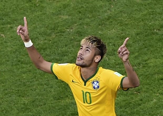 Neymar sẽ vắng những trận siêu cúp vì…quai bị - ảnh 1