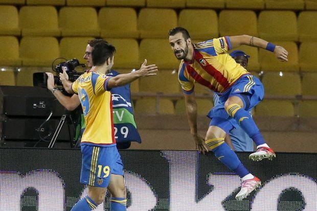 Tây Ban Nha hoàn thành bộ năm Champions League - ảnh 1