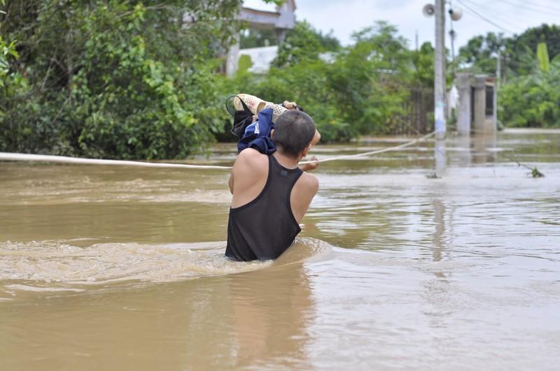 TP.Biên Hòa: Hàng trăm hộ dân bị cô lập do ngập - ảnh 3