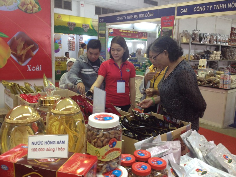 200 doanh nghiệp tham gia phiên chợ khuyến mại 2015 - ảnh 1