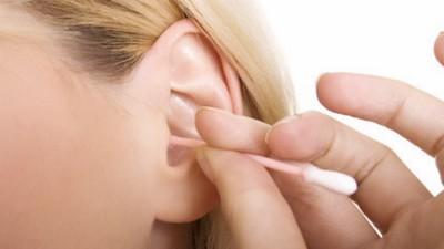 Lấy ráy tai đúng cách - ảnh 1