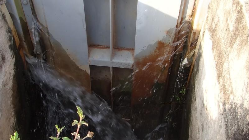 Cống ngăn triều không ngăn nổi nước - ảnh 2