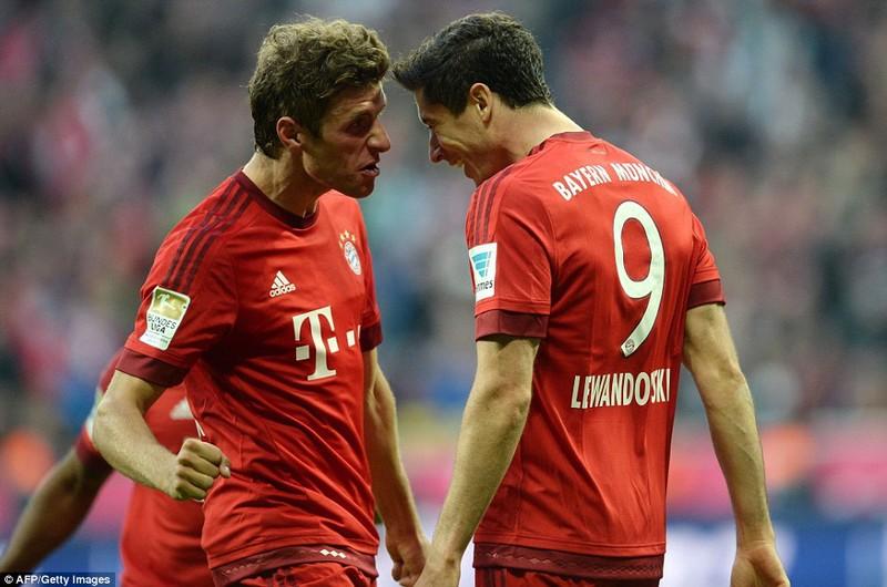 Bayern lo không quản nổi 'khẩu pháo hai nòng' - ảnh 1