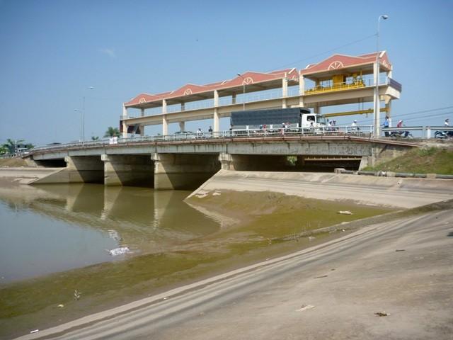 Phát hiện thi thể thiếu niên trên sông Bảo Định - ảnh 2