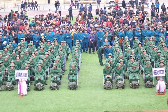 Bí thư Hà Nội đánh trống tiễn tân binh lên đường nhập ngũ - ảnh 5