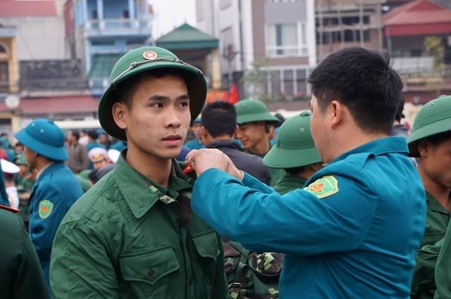 Bí thư Hà Nội đánh trống tiễn tân binh lên đường nhập ngũ - ảnh 8