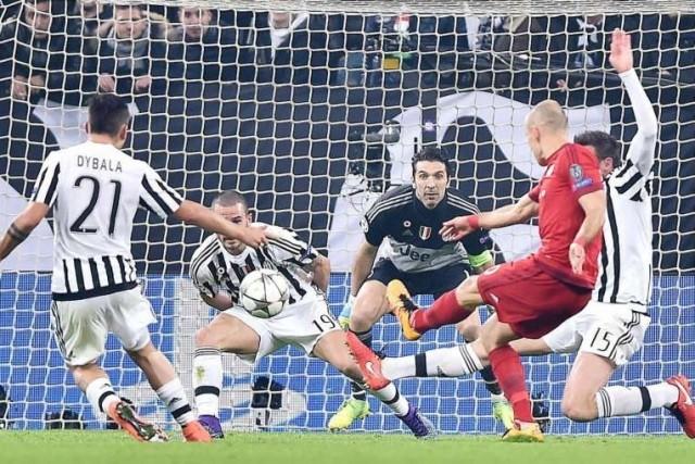 UEFA Champions League đêm 23-2: Biết, nhưng khóa không nổi - ảnh 1