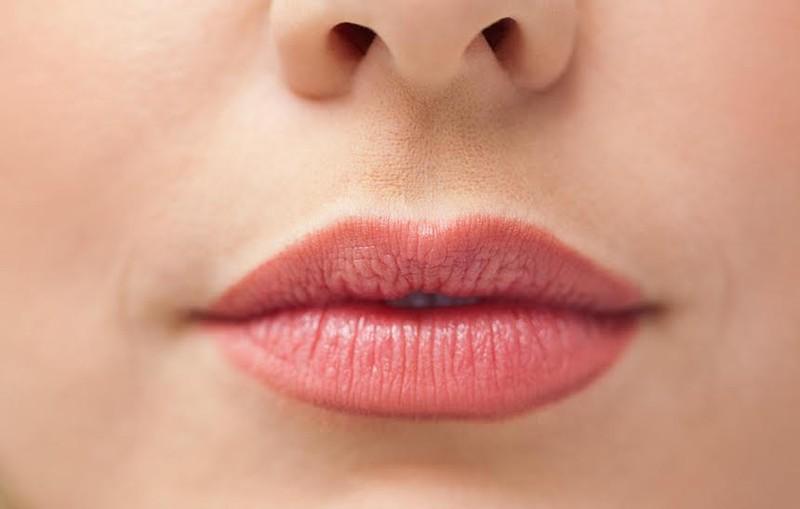 Năm dấu hiệu trên môi bạn không bao giờ nên bỏ qua - ảnh 1