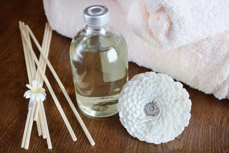 4 loại tinh dầu giúp chữa chứng mất ngủ - ảnh 1
