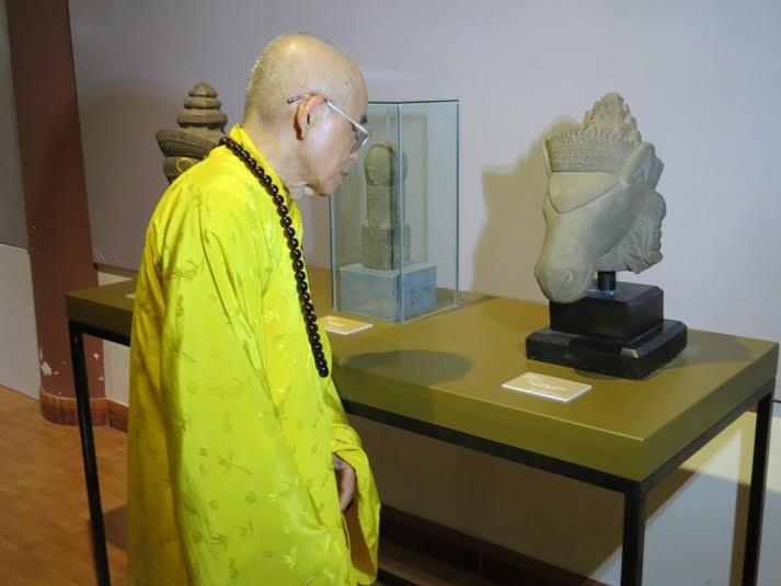 Chiêm ngưỡng nghệ thuật điêu khắc cổ Phật giáo và Hindu giáo  - ảnh 1
