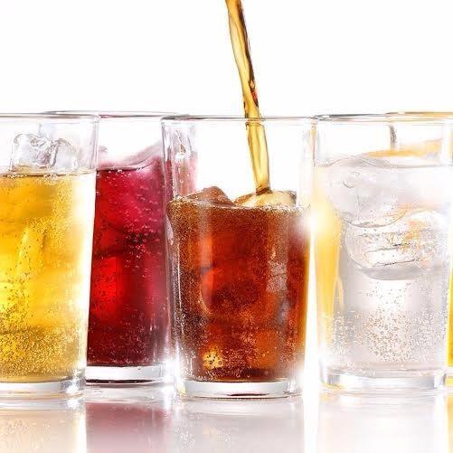 Rượu, thức uống có gas, nước trái cây có đường... không nên uống trước khi bạn tập thể dục.