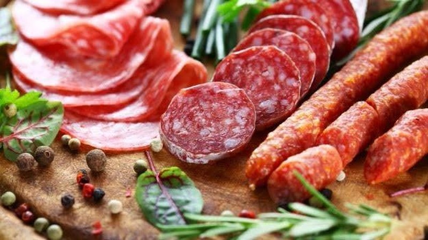 Nghiên cứu mới đây chỉ ra rằng ăn quá nhiều thịt đỏ có thể ảnh hưởng tới chức năng thận.