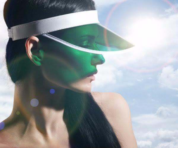 ể giữ da không bị cháy nắng, bạn nên đội nón