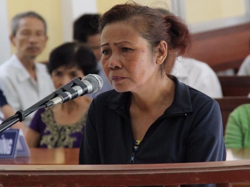 Bị cáo Nguyễn Thị Xuân tại tòa.