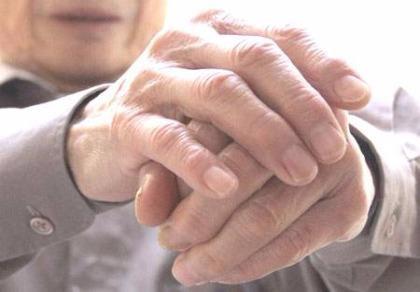 Thoái hóa khớp bàn tay ở nữ cao hơn ba lần so với nam giới.