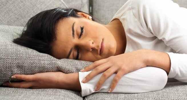 Những điều cần biết về hiện tượng giật mình lúc ngủ - ảnh 1