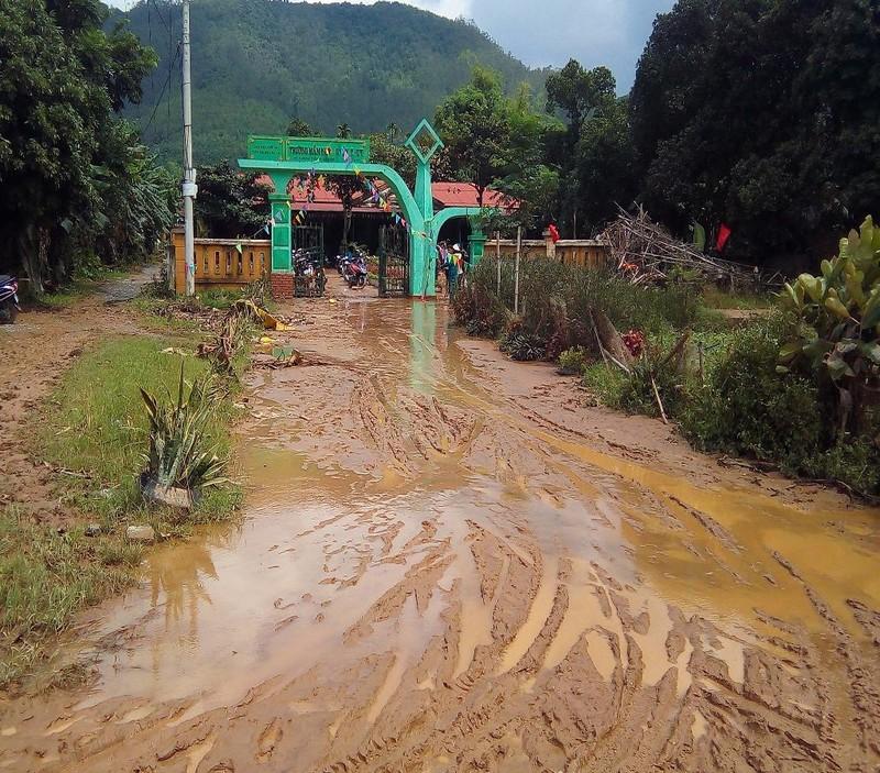 bùn đất tại trường