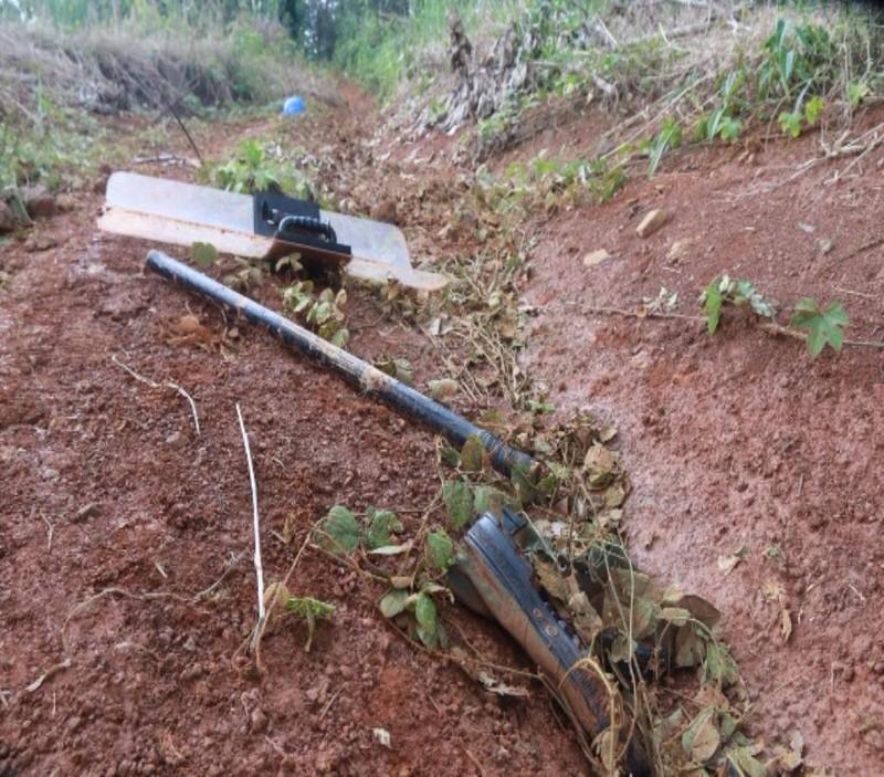 Một số vật dụng sót lại sau vụ xung đột.