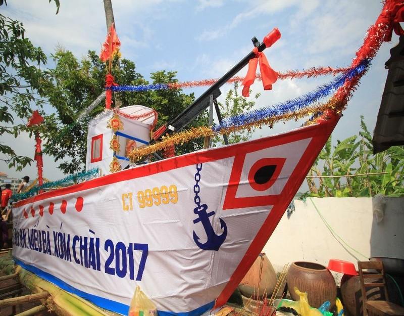 thuyền tống ôn chuẩn bị hạ thủy