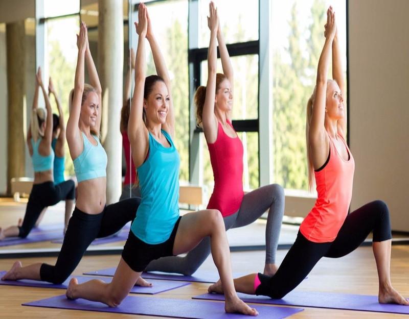 tập yoga khi bị đau lưng