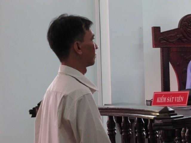 Chồng dọa tự tử vì giận vợ không có cơm nước sẵn - ảnh 1