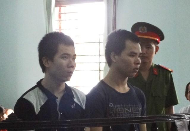 Hai anh em ruột chậm phát triển cùng hầu tòa vì hiếp dâm trẻ em - ảnh 1