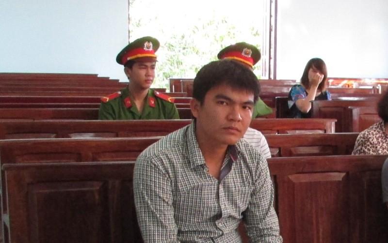 Bị cáo Bùi Trường Anh tại phòng xử TAND TP Cần Thơ ngày 20-7. Ảnh: N.NAM