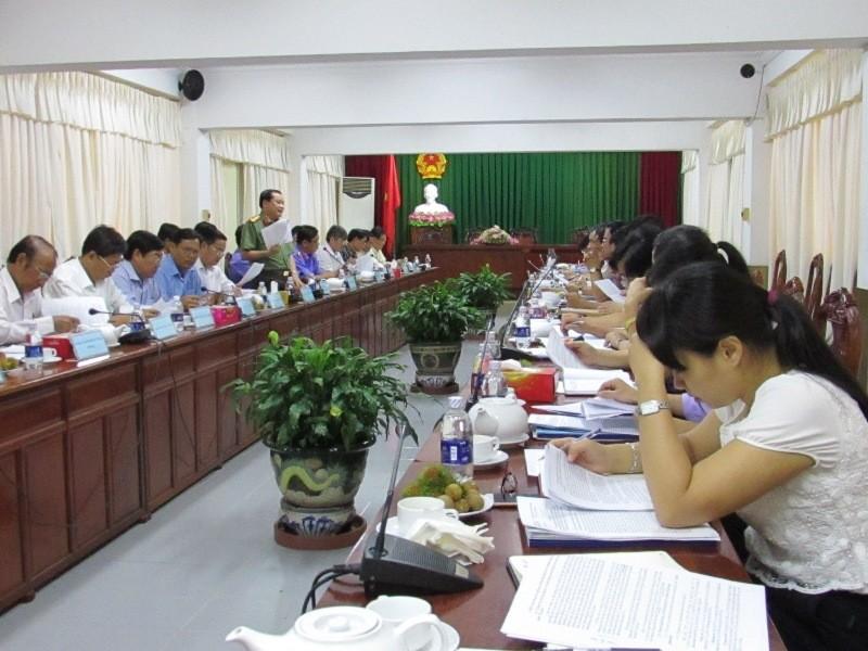 Đoàn khảo sát của Ủy ban Tư pháp của Quốc hội làm việc tại TP Cần Thơ ngày 16-8. Ảnh: N.NAM