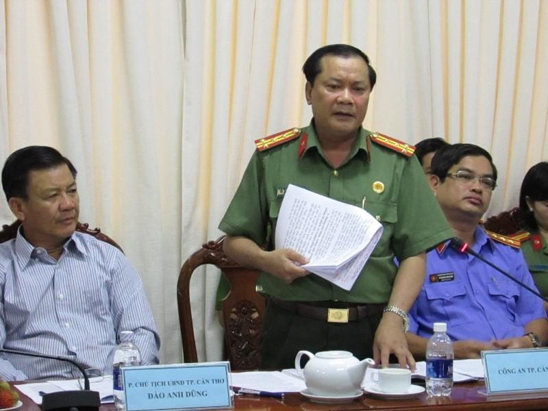Phó Giám đốc Công an TP Cần Thơ phản ánh với đoàn khảo sát về công tác THA tử hình ở Cần Thơ đang thực hiện quá tốn kém... Ảnh: N.NAM