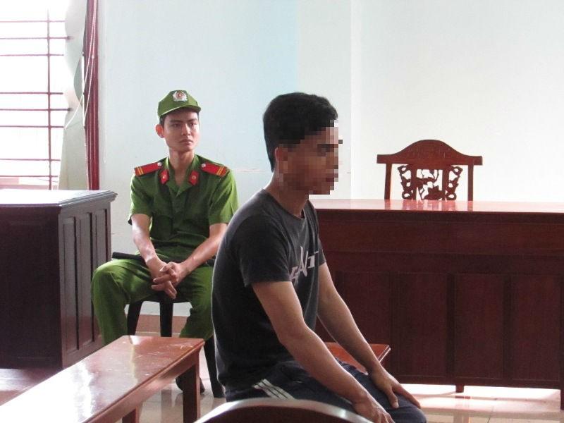 Bị cáo Bộ chờ tòa phúc thẩm nghị án ngày 14-9. Ảnh: N.NAM