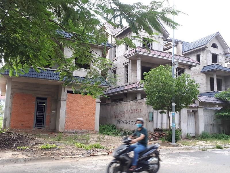 Hàng trăm dự án nhà đất