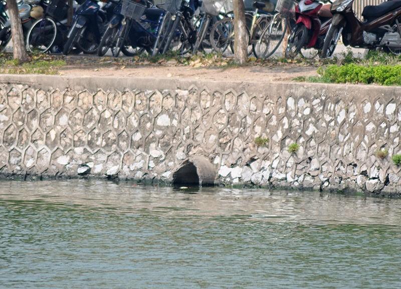 Tổng kiểm tra rà soát việc xả thải nước ra Hồ Tây - ảnh 3