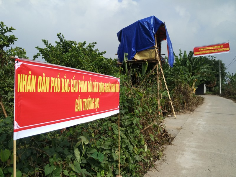 Hà Nội tạm dừng chuyển 2000 ngôi mộ vào khu dân cư - ảnh 2