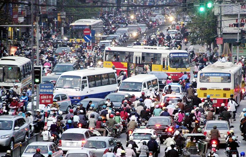 Tình trạng ùn tắc giao thông của Hà Nội đang ngày càng nghiêm trọng