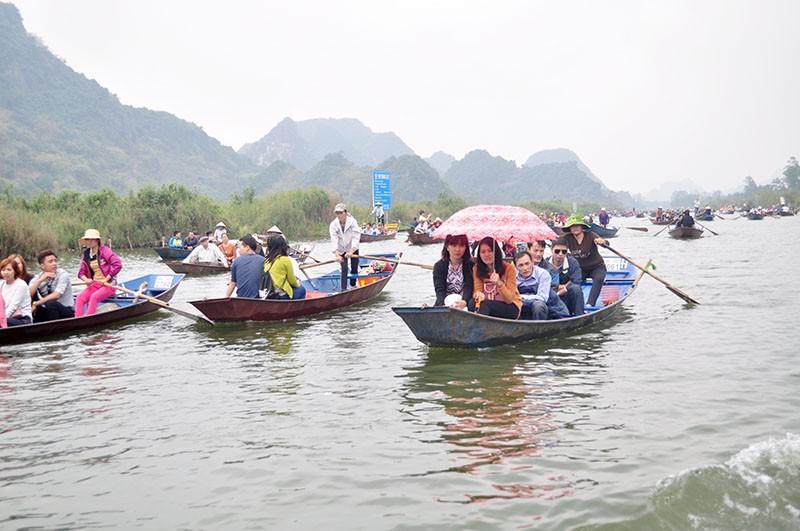 Chen chân khai hội Chùa Hương - ảnh 3