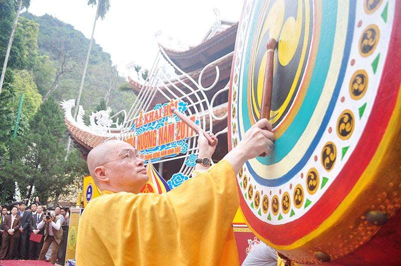 Chen chân khai hội Chùa Hương - ảnh 2