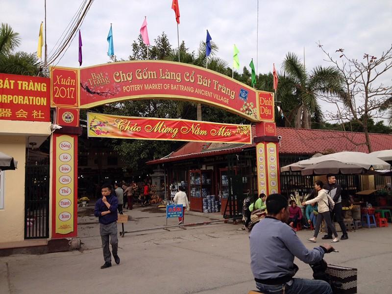 Vụ đóng cửa chợ Bát Tràng: Tiểu thương đã vào buôn bán - ảnh 1