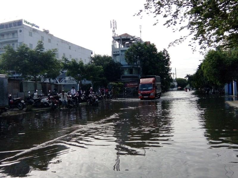 Khu Nam Long, Sài Gòn bất ngờ ngập nặng - ảnh 2