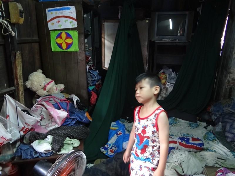 Cận cảnh nhà 15 m2 xập xệ có 23 nhân khẩu ở Sài Gòn - ảnh 6