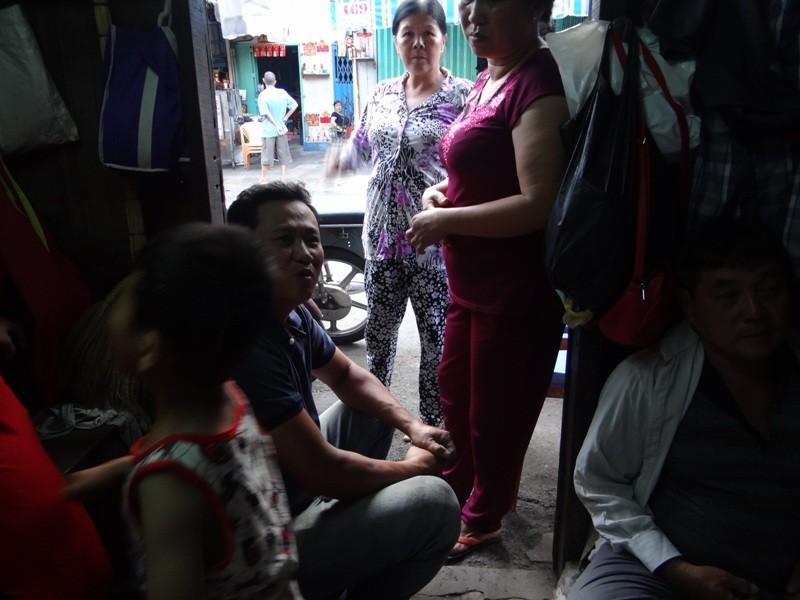 Cận cảnh nhà 15 m2 xập xệ có 23 nhân khẩu ở Sài Gòn - ảnh 3