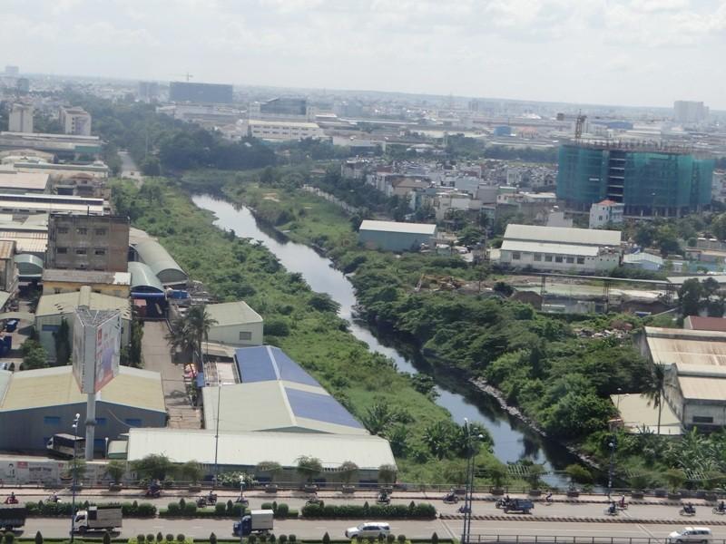 Hơn 3.570 tỉ đồng xây kè dọc kênh dài nhất Sài Gòn - ảnh 1