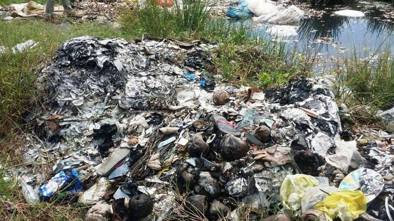 Công ty giao chất thải cho người chuyên đổ bậy - ảnh 2