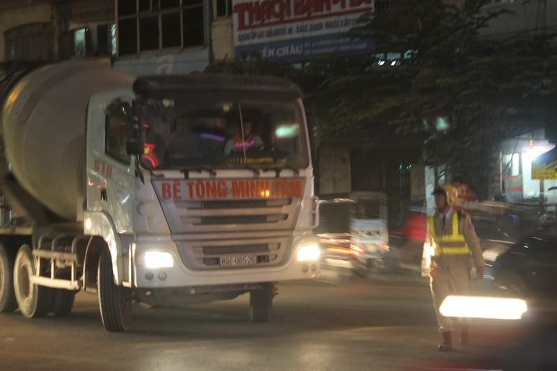Tăng cường xử phạt xe tải đi vào giờ cấm - ảnh 2