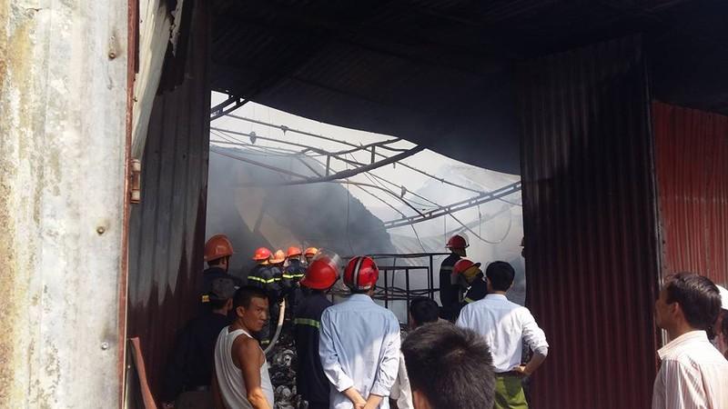 Cháy lớn tại Hưng Yên, nhiều người hoảng loạn - ảnh 1