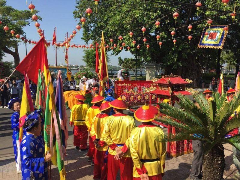 Hàng ngàn người dân dự hội chùa Ông Cù Lao Phố - ảnh 2
