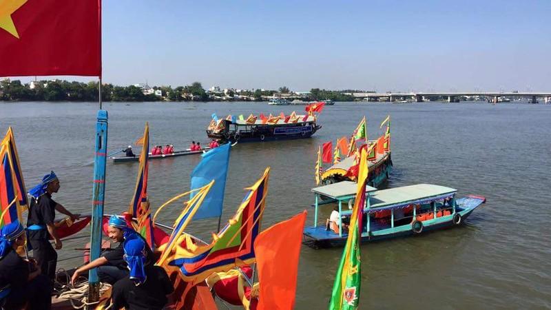 Hàng ngàn người dân dự hội chùa Ông Cù Lao Phố - ảnh 7