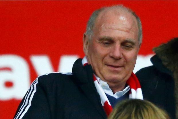 Giúp chủ tịch Bayern Uli Hoeness trốn thuế, ngân hàng bị vạ lây - ảnh 1